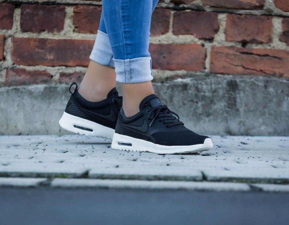buyfit mega sale sneaker nike-wmns-air-max-thea